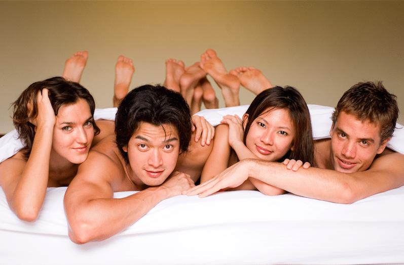 Развратная семейная пара: ищем групповой секс и почему его стоит попробовать