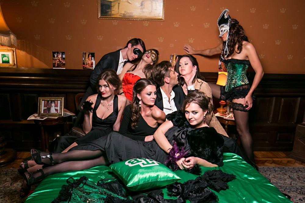 Секс в публичном месте – русское развлечение для свингеров